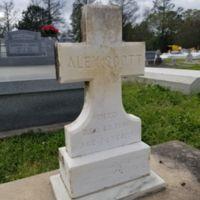 Alex Scott grave marker IHM Cemetery 2019-03-09.jpg